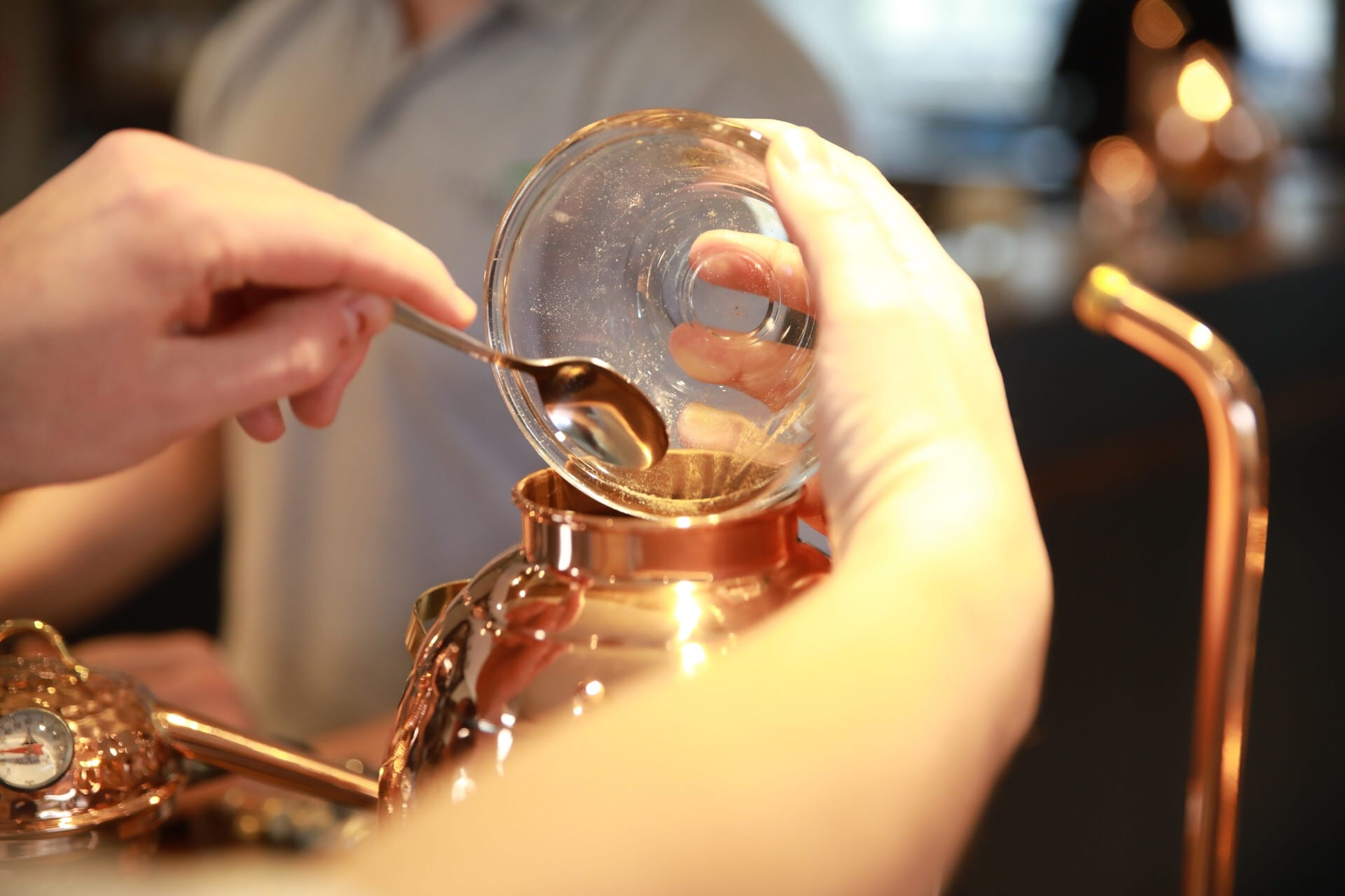 Adding your botanicals - Shakespeare Distillery Gin School